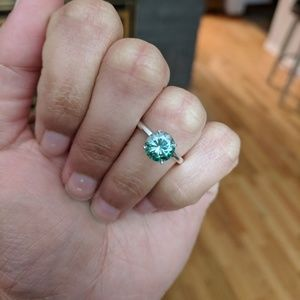 1.5 ct Forest Green Moissanite Engagement Ring